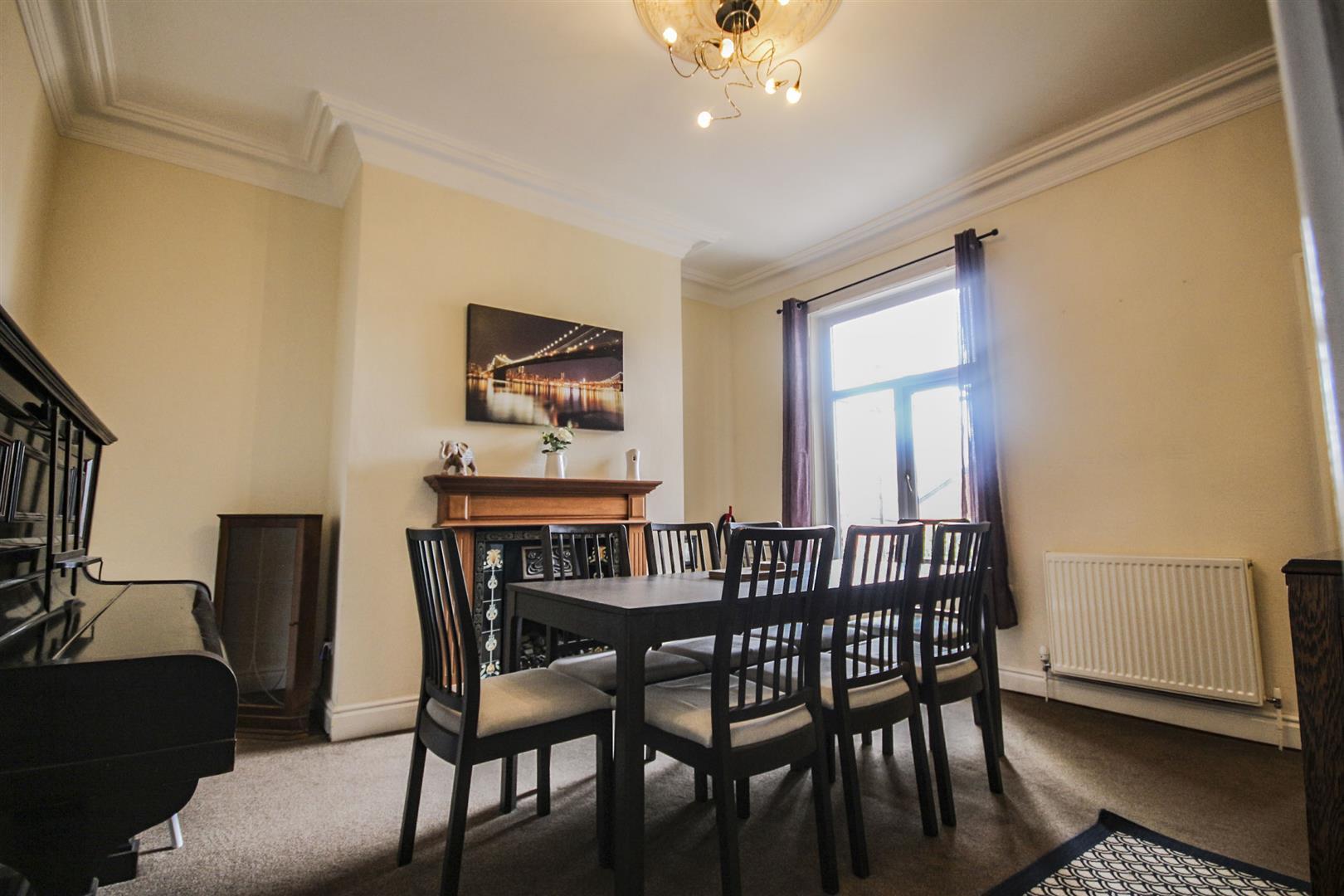5 Bedroom Mid Terrace House For Sale - _._3.jpg